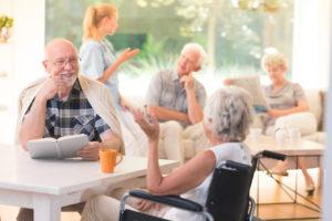 Préparer et animer un atelier mémoire - trouver un espace adapté pour le groupe de personnes âgées - avec HappyNeuron Activ'