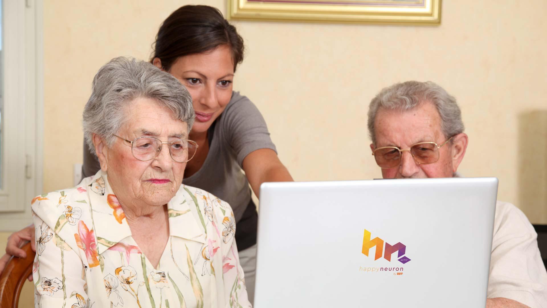 HappyNeuron Activ : stimulation cognitive seniors à domicile via services à domicile